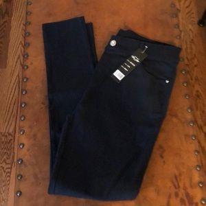 NWOT Navy Blue size L/XL skinny pants by Indero